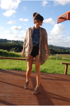 tan alice in the eve cardigan - blue Topshop top - black One Teaspoon shorts