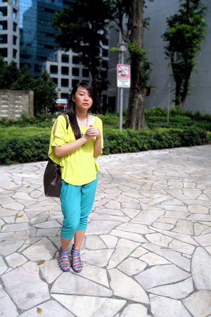 lime green lime green random top - turquoise blue pants - blue color blocking Je