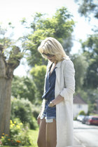 blue Levis shorts - ivory Zara jacket