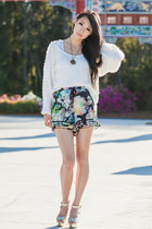 white shaggy sabo skirt jumper - black floral Tallulah shorts