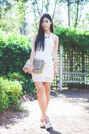 white azelia Minty Meets Munt dress - tan gmarket bag