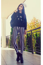 black stripe romwe leggings - white beanie meow Boohoo hat