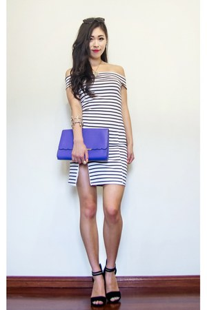 white striped Showpo dress - blue clutch OASAP bag - brown OASAP sunglasses