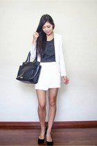 white asymmetrical Spicy Avenue skirt - white crop portmans jacket