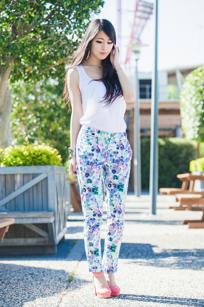 white singlet top - bubble gum wholesale7net shoes
