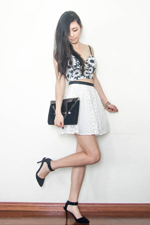 white floral cutout Sugarlips skirt - daisy bustier lookbookstore top