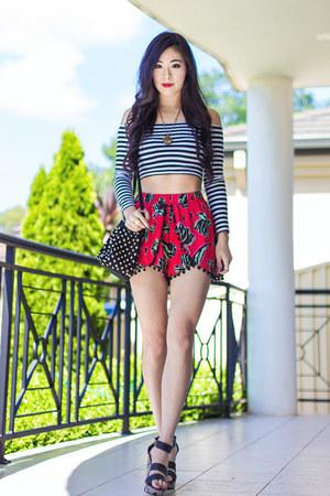 red pom pom Junk Clothing shorts - black Mink Pink top