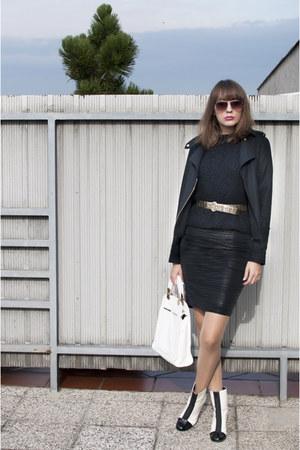 gold vintage belt - white asos boots - black Topshop jacket - white asos bag