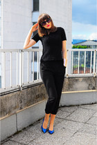 black no name sunglasses - black H&M pants - blue asos wedges - black Zara top