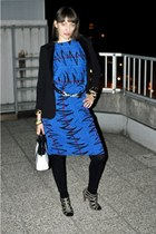 blue vintage dress - black H&M leggings - black H&M blazer - white vintage bag -