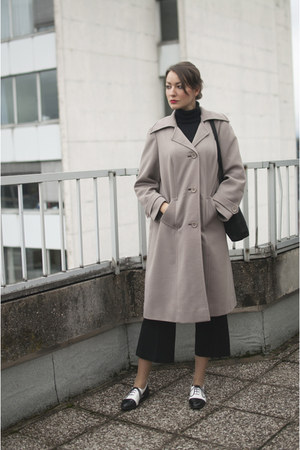 white asos shoes - tan vintage coat - black no name sweater - black no name bag