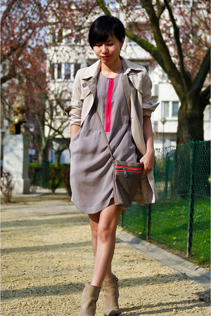 heather gray COS dress - hot pink Zara bag