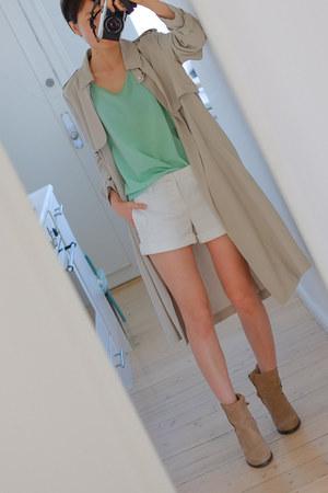 beige Zara coat - aquamarine Sisley blouse