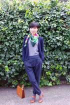 green united colors of benetton scarf - navy pleated Zara pants - heather gray u