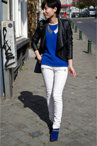 metallic collar COS accessories - blue COS sweater - white pants