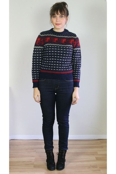 navy fitted acrylic vintage sweater