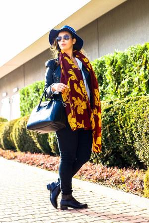 Stradivarius hat - H&M scarf