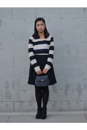 H&M sweater - Urban Outfitters accessories - Forever 21 skirt
