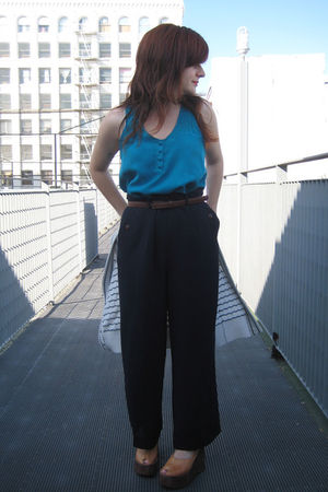 Dolce Vita top - vintage pants - vintage shoes