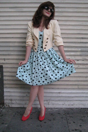 vintage dress - vintage blazer - vintage shoes