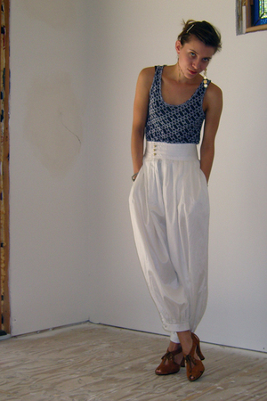 Proenza Schouler x Target top - San & Soni pants - Daniblack shoes