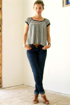 UO top - Anlo jeans - Nine West shoes