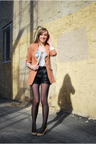 black leatherther Urban Outfitters shorts - coral H&M blazer