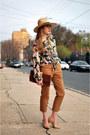 Camel-h-m-hat-pink-h-m-blouse-camel-h-m-pants-beige-steve-madden-heels