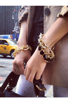 gold chain chicoyoto bracelet