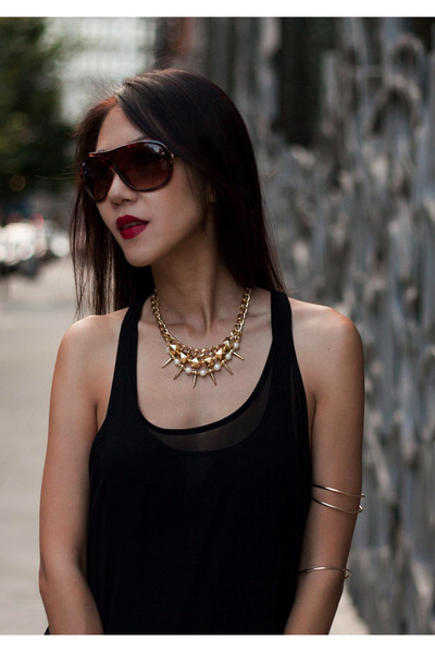 gold chicoyoto necklace - black chiffon tanktop Zara top
