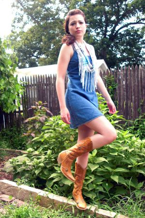 white scarf - blue dress - brown BCBG boots