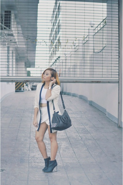 ivory contrast thrifted blazer - black maison martin margiela X H&M shoes