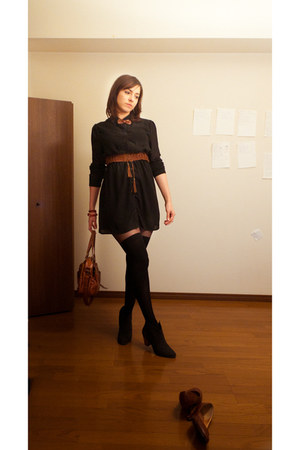 black boots - black shirt collar Forever21 dress - tawny bag - tawny belt