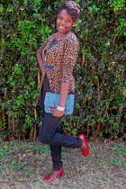 animal print sweater - simple purse - leather heels - blue belt