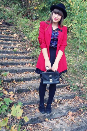 red jacket - black hat - violet floral shirt - white ring - black pleated skirt