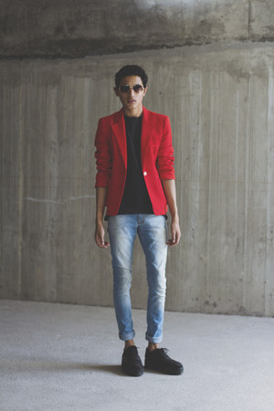 red vintage blazer - black VakShoes shoes - blue Levis jeans