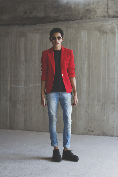 red vintage blazer - black VakShoes shoes - blue Levis jeans