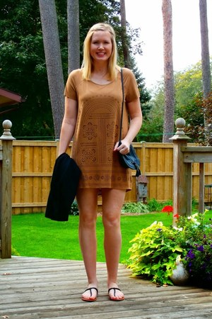 camel H&M dress - black H&M purse