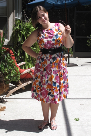 Carole Little dress - Kenar belt - isaac mizrahi shoes - Urban Outfitters sungla