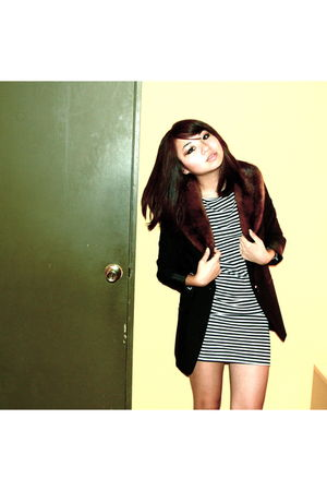 black H&M blazer - brown vintage fur scarf - black American Apparel dress