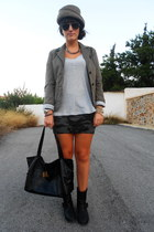 Zara skirt - Zara boots - vintage hat - Zara jacket - Kem bag - H&M top