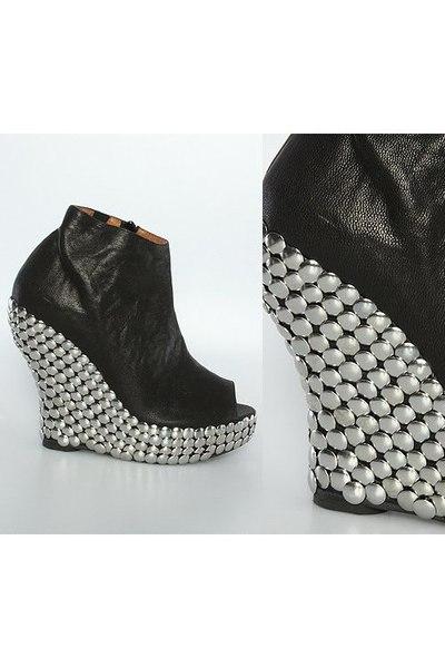 black Jeffrey Campbell shoes