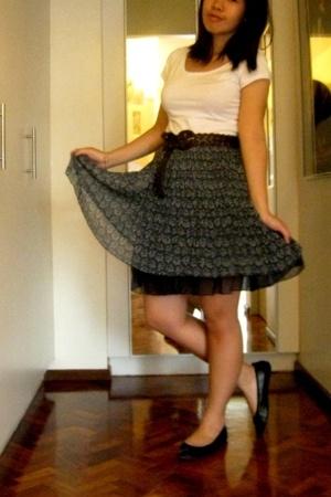 H&M shirt - landmark skirt - landmark belt - H&M shoes