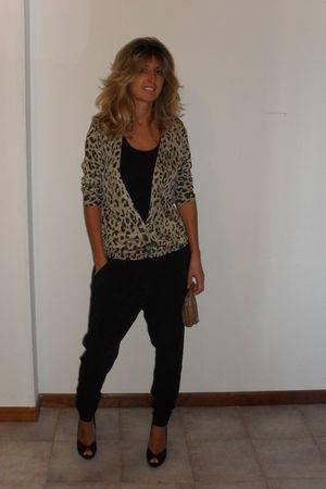 Zara cardigan - black pants - beige vintage - black Principles shoes