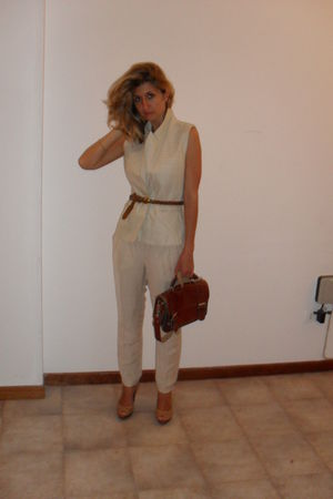 beige Zara pants - brown vintage purse - brown vintage belt - beige vest