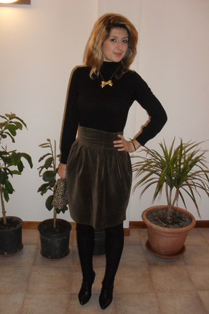 olive green Penny Black skirt - gold DIY necklace - black Nine West heels - leop