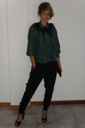 green vintage shirt - green DIY necklace - black Principles shoes - black pants