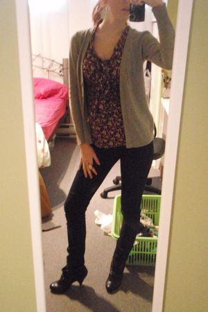 H&M shirt - Forever 21 cardigan - Zara boots - Simons jeans