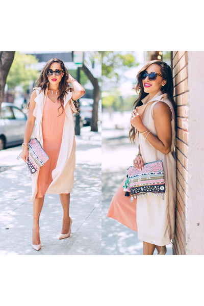 neutral Jimmy Choo shoes - light pink sam & lavi dress