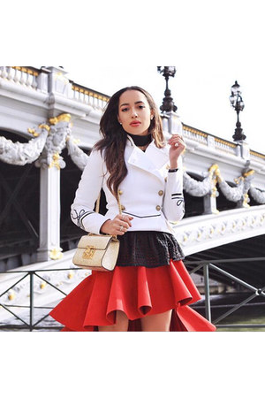 red Jacquemus skirt